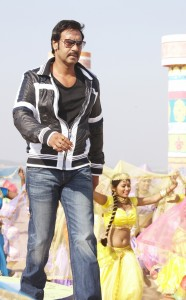 Ajay Devgn in Himmatwala 1 186x300 Sajid Khan says get ready for Ajays entry in Himmatwala