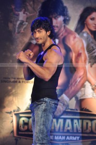 DSC 1250 199x300 Vidyut Performs Live Stunts