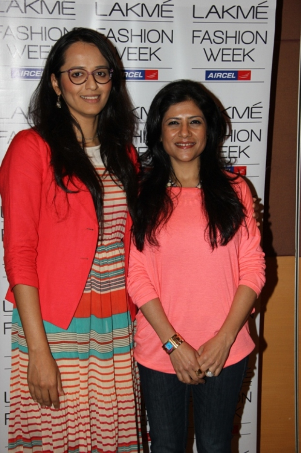 Purnima Lamba Head of Innovations Lakme with Lakme Fashion Week SR 2013 Grand Finale Designer Namrata Joshipura (3)