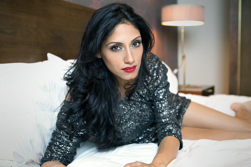 TSunny2 Actress Tehmina Sunny Talks Argo, Hollywood, Bollywood and more!