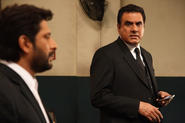 bomanjollyllb1 Boman Irani mimics Arshad Warsi on the sets of Jolly LLB