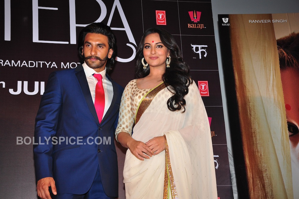 lootera03 In Pictures: Ranveer and Sonakshi at Looteras Trailer Launch!