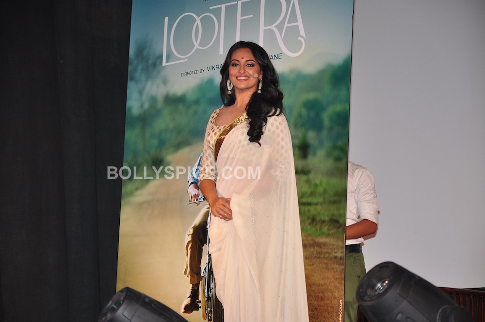 lootera05 In Pictures: Ranveer and Sonakshi at Looteras Trailer Launch!
