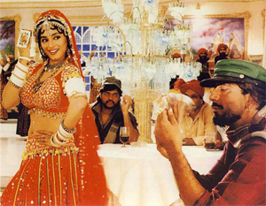 13apr cholikepeeche Madhuri's Choli is top of the Bollywood pops!