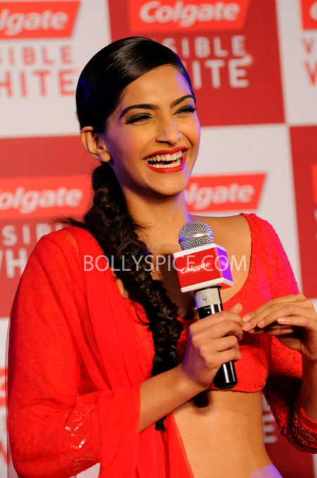 13apr sonamcolgate 02 Sonam Kapoor walks the ramp for Manish Malhotra at the Colgate Visible White product launch