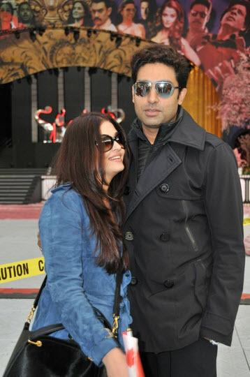 abhiaishtoifa10 Abhishek and Aishwarya Arrive as the Countdown to TOIFA begins!