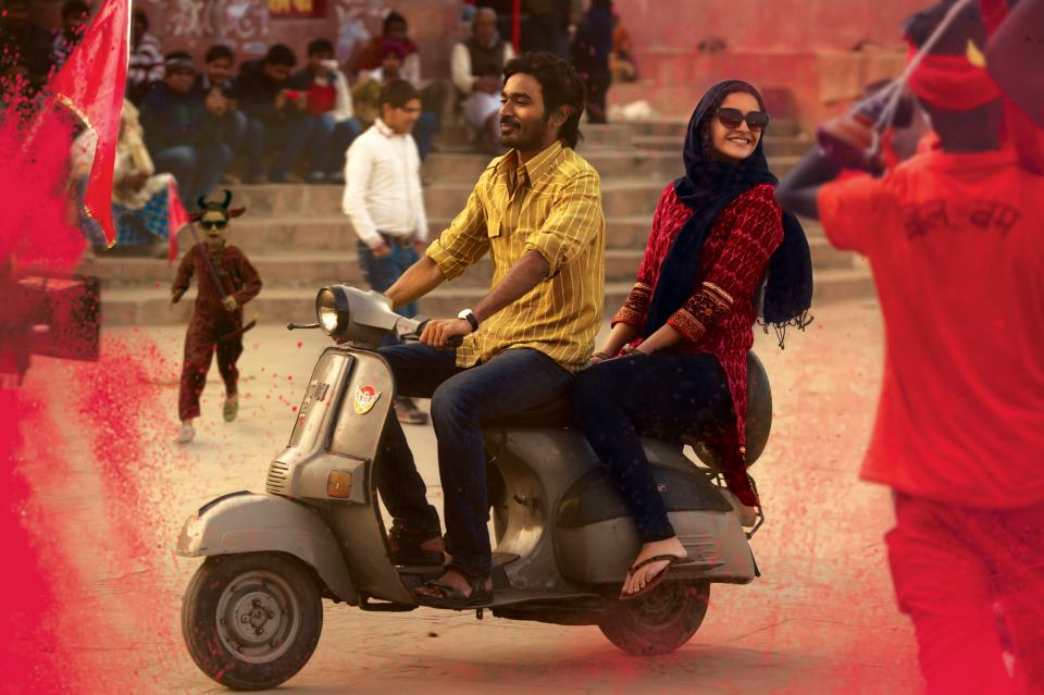 raanjhana Watch Sonam and Dhanush in the love filled Raanjhanaa Trailer!