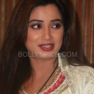 shreya12 e1366934291588 185x185 BollySpice Exclusive: Shreya Ghoshal honoured at the House of Commons