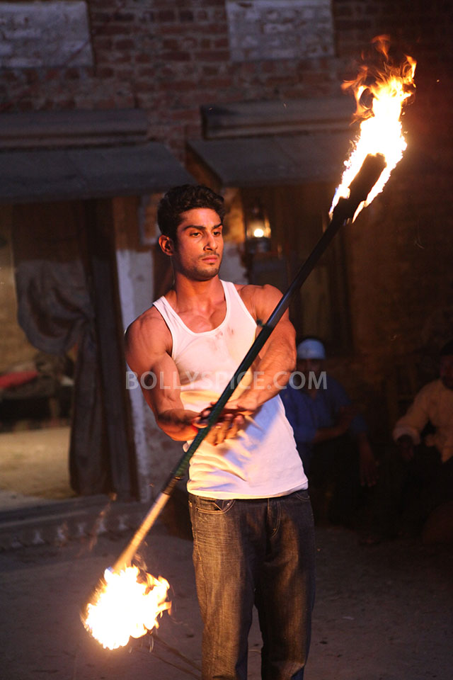 13may Prateik Fire Issaq Prateik does a fire dance in his upcoming movie Issaq