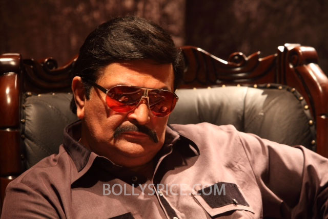 13may RishiKapoor DDay01 Unveiled: Nikhil Advani's Goldman   Rishi Kapoor's much awaited look from D Day