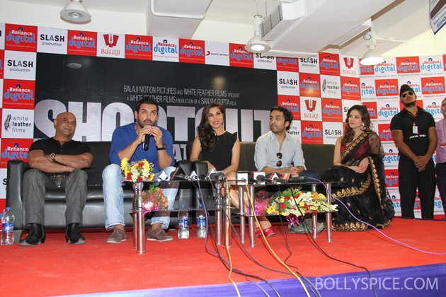 13may wadalareliance 01 John Abraham and cast of Shootout at Wadala visit Reliance Digital Store in Ahmedabad