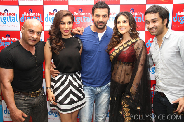 13may wadalareliance 04 John Abraham and cast of Shootout at Wadala visit Reliance Digital Store in Ahmedabad