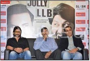 Cast Of Jolly LLB At the Reliance Digital Store 300x202 Cast Of Jolly LLB At the Reliance Digital Store