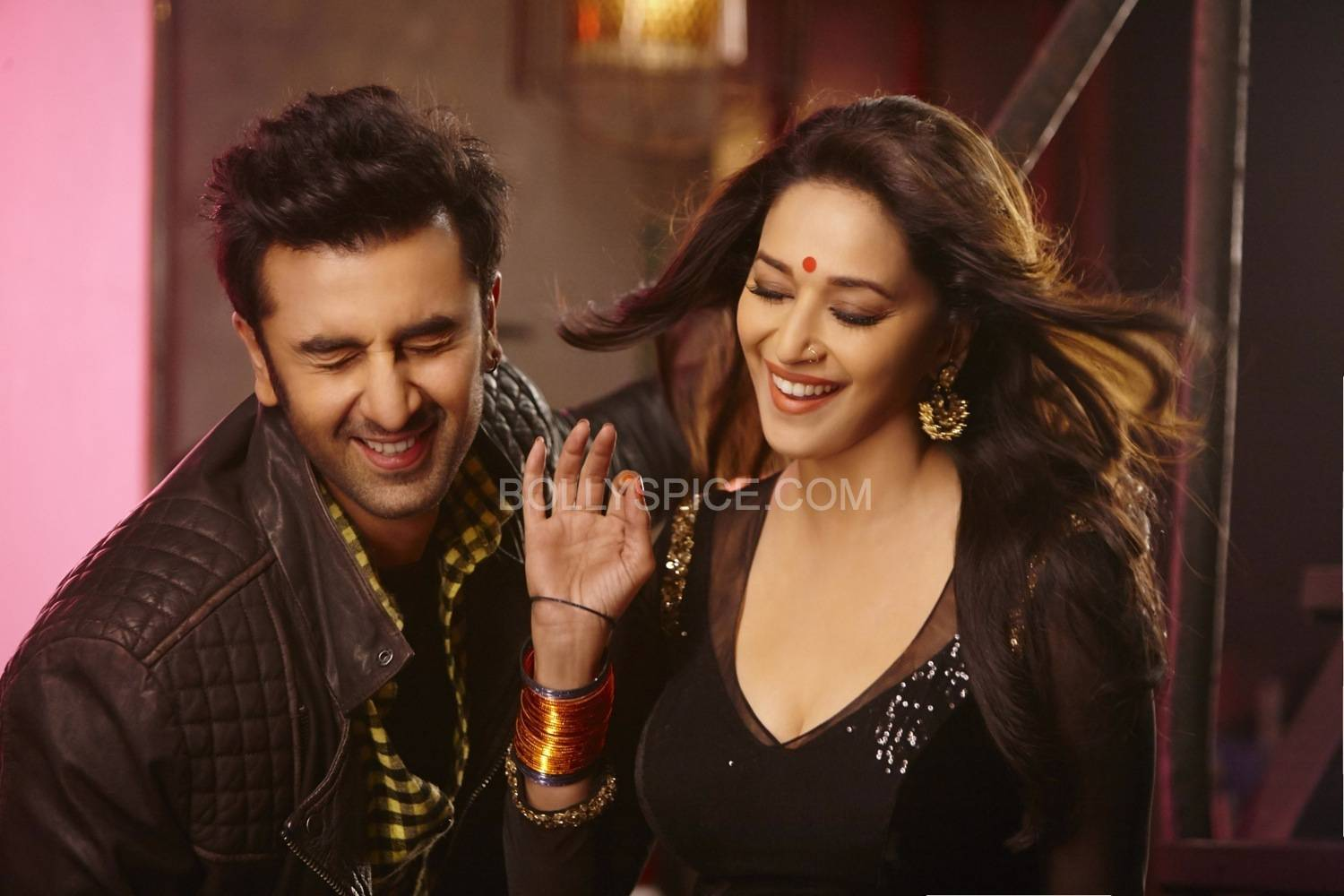GHAGRA02 Ranbir and Madhuri in Ghagra from Yeh Jawaani Hai Deewani!