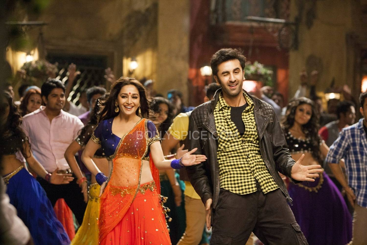 GHAGRA03 Ranbir and Madhuri in Ghagra from Yeh Jawaani Hai Deewani!