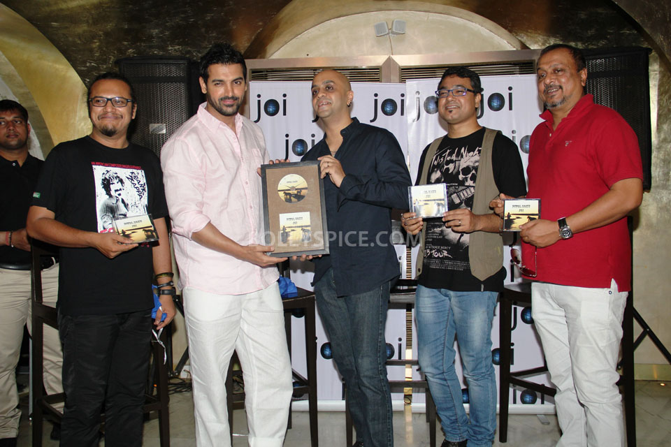 13jun John PitoSoku01 Joi Barua and John Abraham unveil the album Pito Soku
