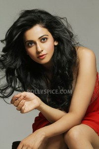 13jun Rakul Preet Yaariyaan 200x300 Rakul Preet to debut in Bollywood with Yaariyaan