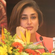 13jun SatyagrahaLondonPressCon10 185x185 Kareena Kapoor and Ajay Devgn attend the trailer launch of Satyagraha in London