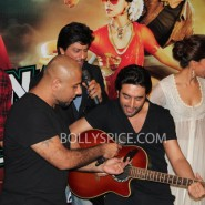 13jun celaunch 73 185x185 IN PICTURES: Chennai Express trailer launch