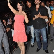 Ameesha Neil dacnes with the crowd 185x185 IN PICTURES: Shortcut Romeo Cast Visits Shiamak Summer Funk 2013