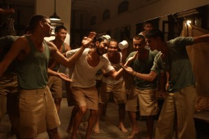 Farhan Akhtar 6 Bhaag Milkha Bhaag 1 300x200 Farhan Akhtar Tough Scenes As Military Man for Bhaag Milkha Bhaag