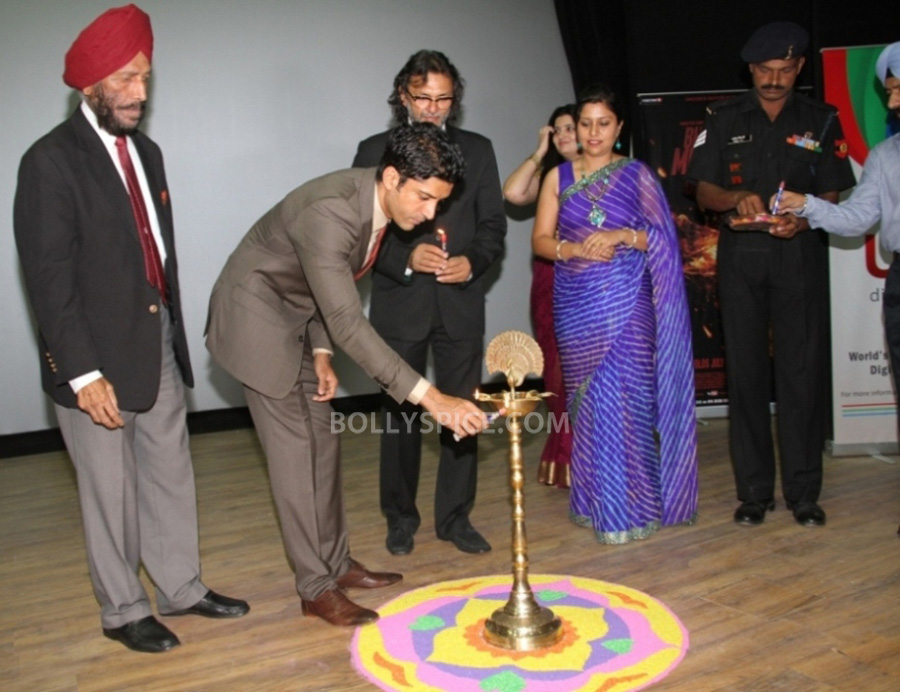 13jul BMB Screening Army05 Special preview screening of Bhaag Milkha Bhaag for Indian Armed Forces