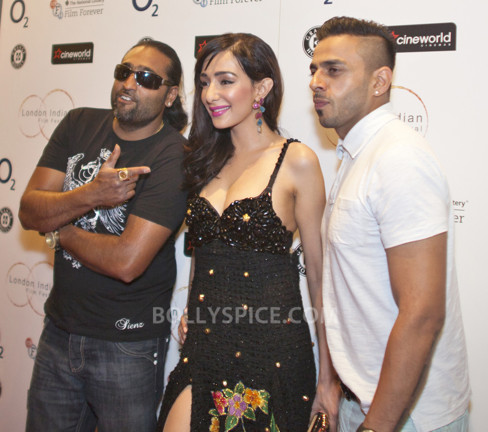 Feryna Wazheir with Bhangra stars Don Dee (L) and Juggy D