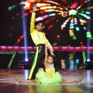 13jul JDJ6 Item11 185x185 Jhalak Dikhhlaa Jaa Week 9: What An Item!