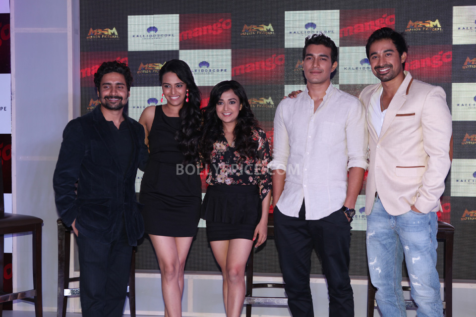 Left to right Chandan Roy Sanyal, Swara Bhaskar, Monali Thakur, Harman, Rannvijay