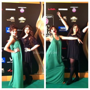 13jul MnB IIFAGreenCarpet18 300x300 Special Report: From the IIFA Awards Green Carpet!