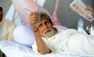 13jul Satyagraha Amitabh 300x181 Satyagraha not based on Anna Hazare, says Prakash Jha