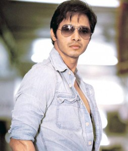 13jul Shreyas Writer 254x300 Shreyas Talpade turns writer