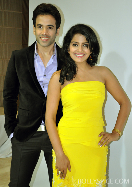 13jul bajateyraho 01 Tusshar & Vishakha Singh promote Bajatey Raho on Big Fame Star