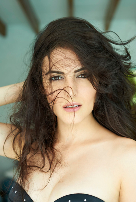 13jul karimi 01 Iranian beauty Mandana Karimi to debut in Vikram Bhatts Bhaag Johnny