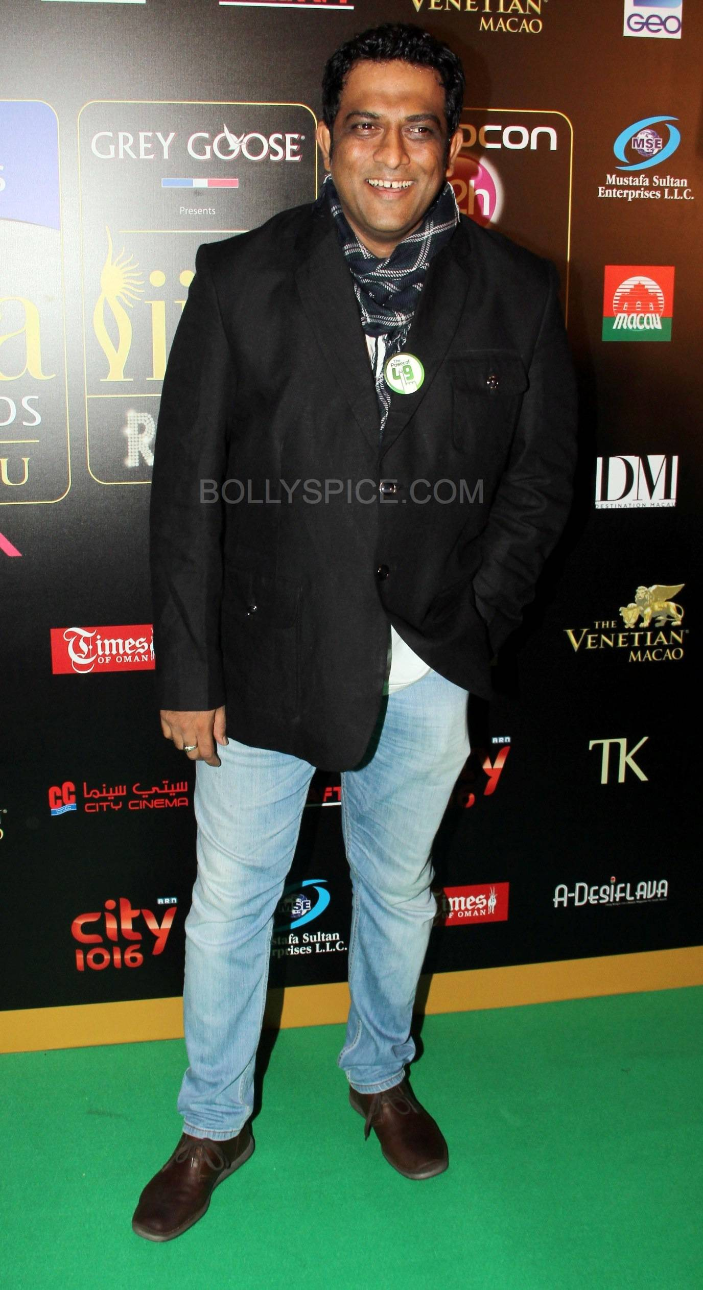 Anurag Basu at IIFA Rocks Green carpet More from IIFA Rocks including winners and more Green Carpet pics! Pics added!