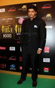Arjun Kapoor at IIFA Rocks Green carpet 186x300 Arjun Kapoor at IIFA Rocks Green carpet