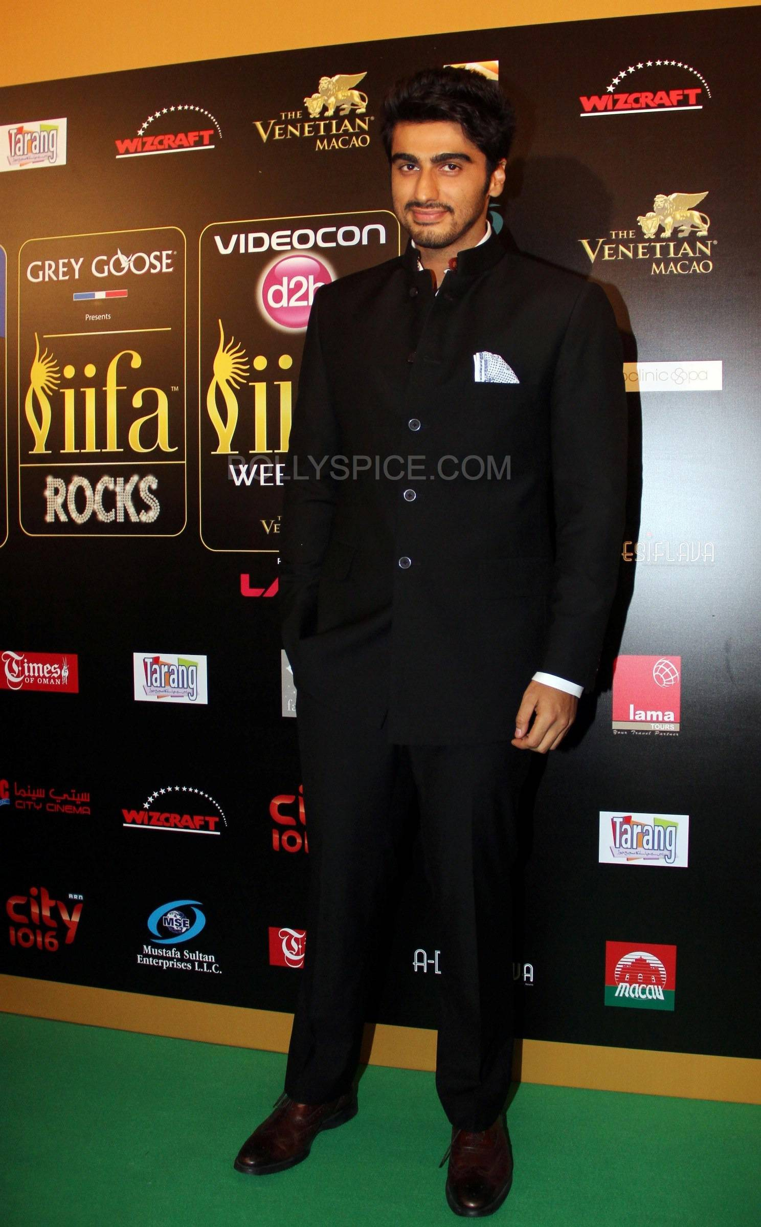 Arjun Kapoor at IIFA Rocks Green carpet More from IIFA Rocks including winners and more Green Carpet pics! Pics added!
