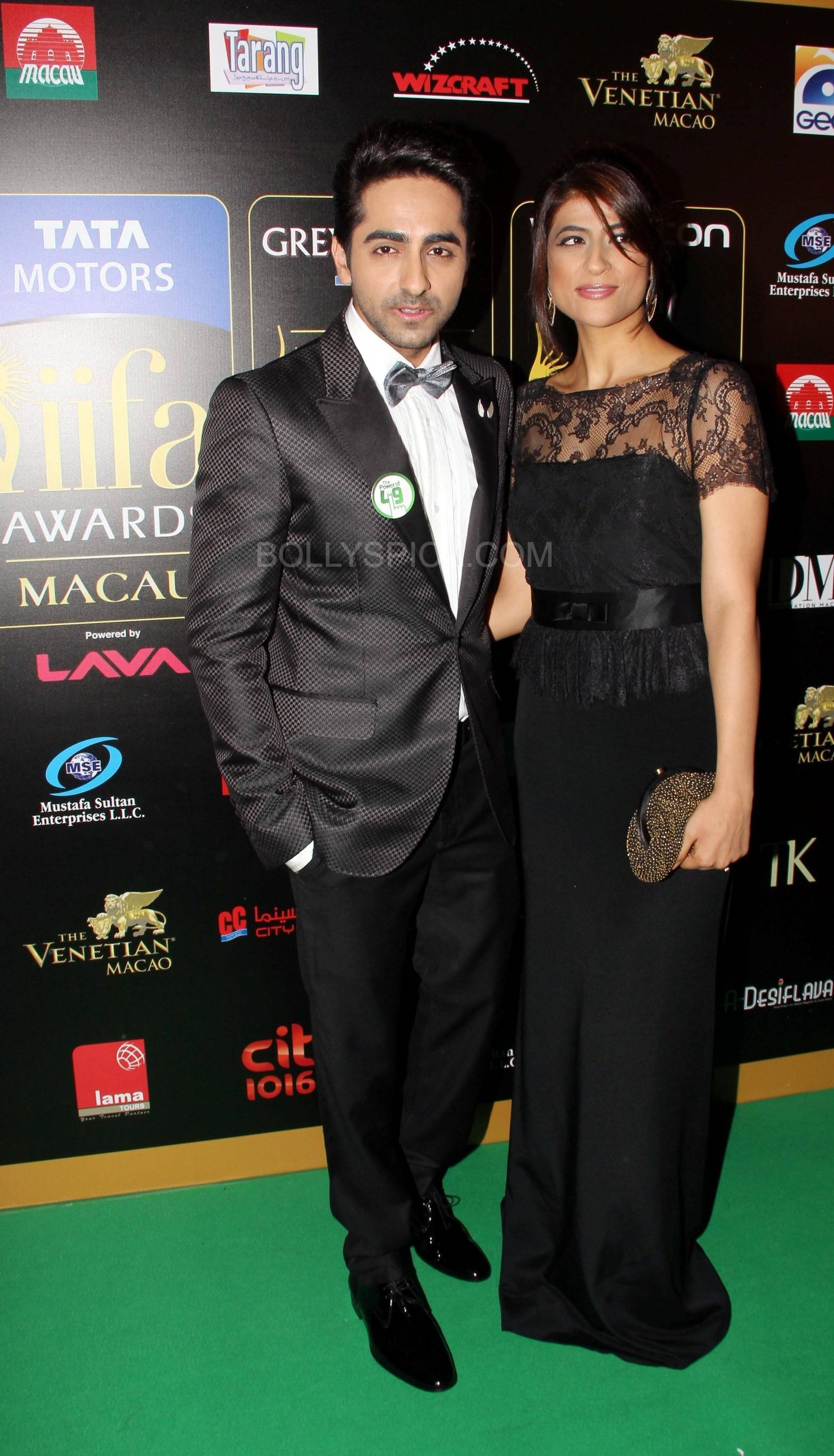 Ayushmann Khuranna at IIFA Rocks Green carpet More from IIFA Rocks including winners and more Green Carpet pics! Pics added!