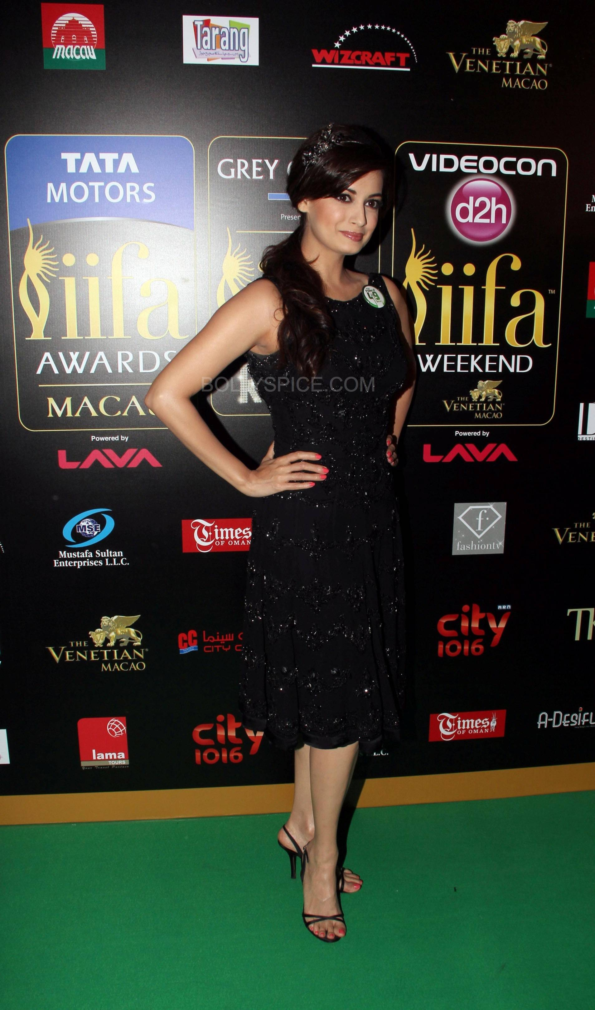 Dia Mirza at IIFA Rocks Green carpet