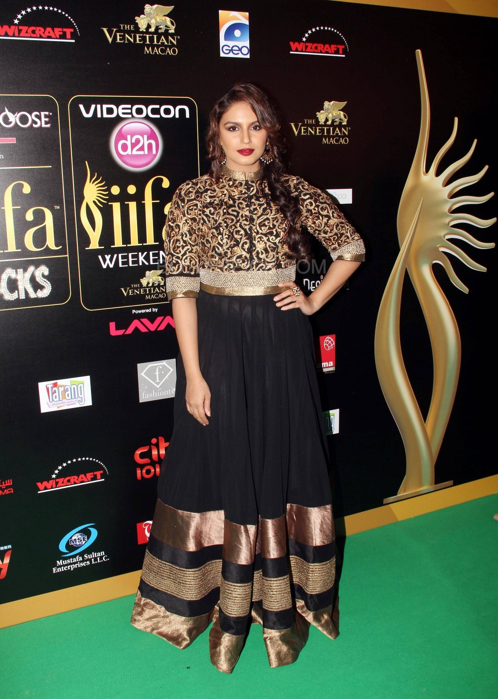 Huma Qureshi at IIFA Rocks Green carpet