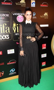 Neha Dhupia at IIFA Rocks Green carpet 180x300 Neha Dhupia at IIFA Rocks Green carpet