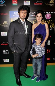 Sonu Nigam at IIFA Rocks Green carpet 191x300 Sonu Nigam at IIFA Rocks Green carpet