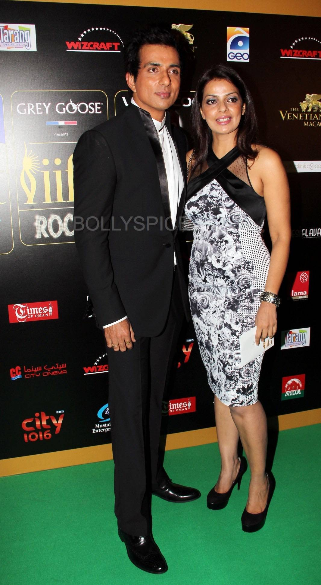 Sonu Sood at IIFA Rocks Green carpet