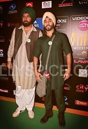 bomanvir iifarocks01 More from IIFA Rocks including winners and more Green Carpet pics! Pics added!