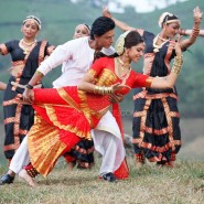chennaiexpress21 185x185 Chennai Express Synopsis and more including new stills!