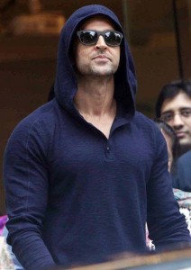 hrithikleaveshospital06 212x300 Hrithik Roshan on his Surgery including an incredible poem!