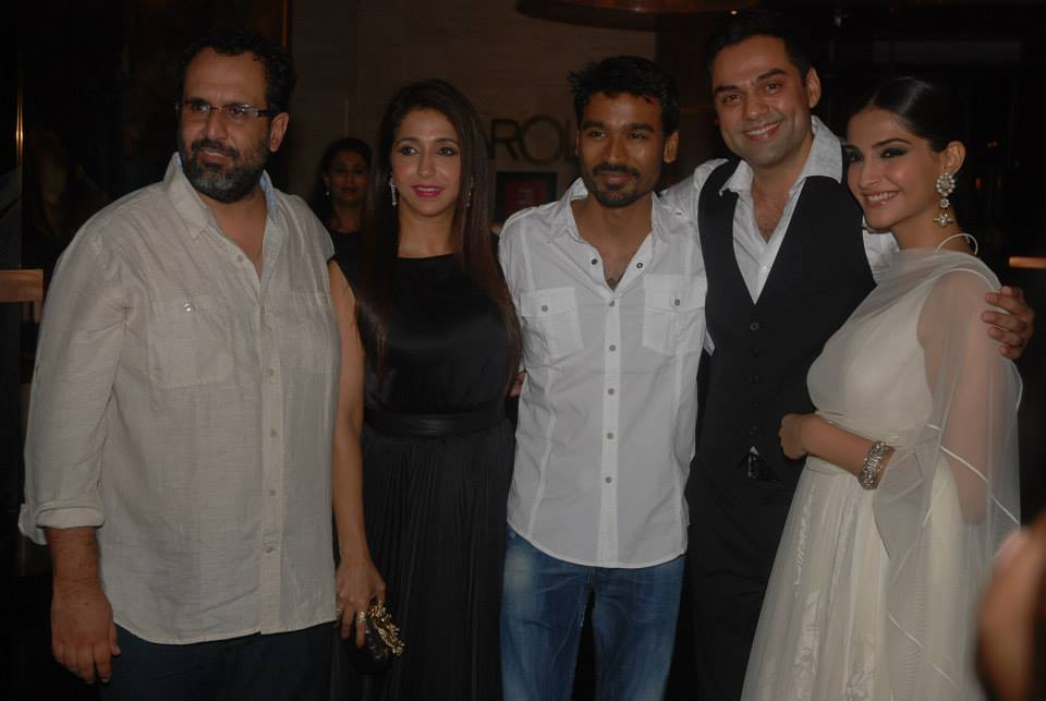 raanjhanaasuccess03 Raanjhanaa success party