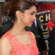 13aug CE Feltham15 185x185 Shah Rukh Khan and Deepika Padukone meet fans at Cineworld Feltham Exclusive Report