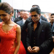 13aug CE Feltham17 185x185 Shah Rukh Khan and Deepika Padukone meet fans at Cineworld Feltham Exclusive Report