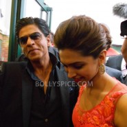 13aug CE Feltham19 185x185 Shah Rukh Khan and Deepika Padukone meet fans at Cineworld Feltham Exclusive Report